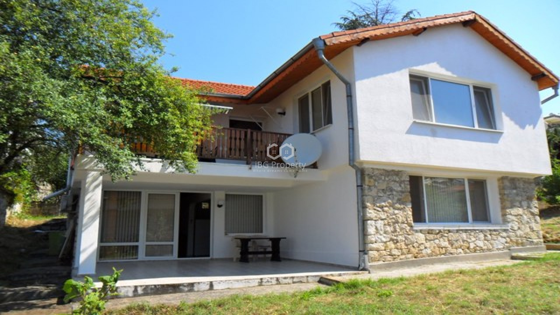 house 180 sq.m.  in Sunny beach