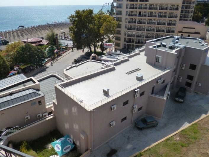 One bedroom apartment - 3000 euro-season